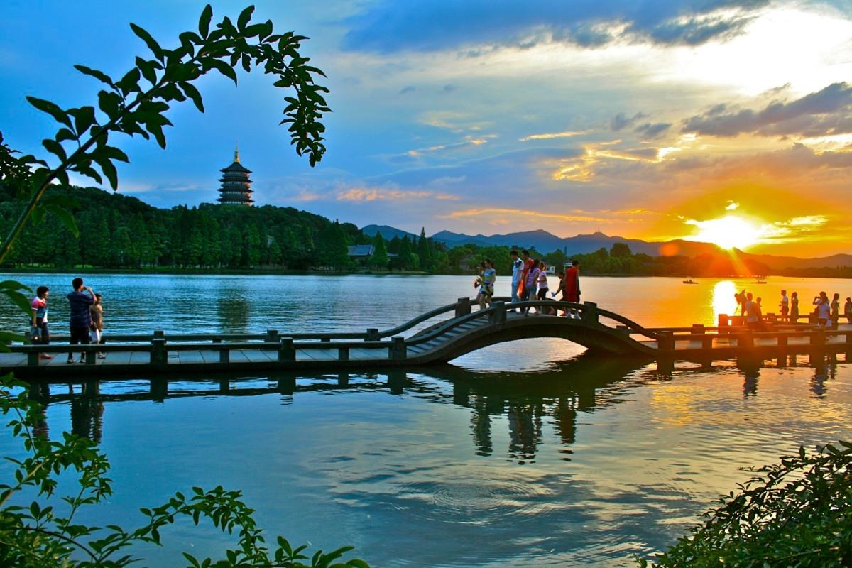 Tiger Airways thưởng ngoạn vẻ đẹp thơ mộng Tây hồ, TrungQuốc